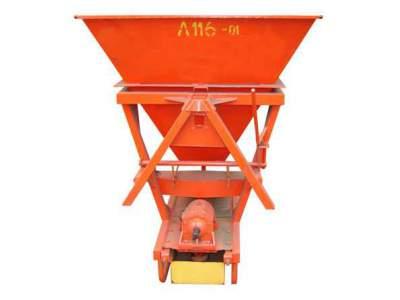 Новый навесной пескоразбрасыватель Л-116-01